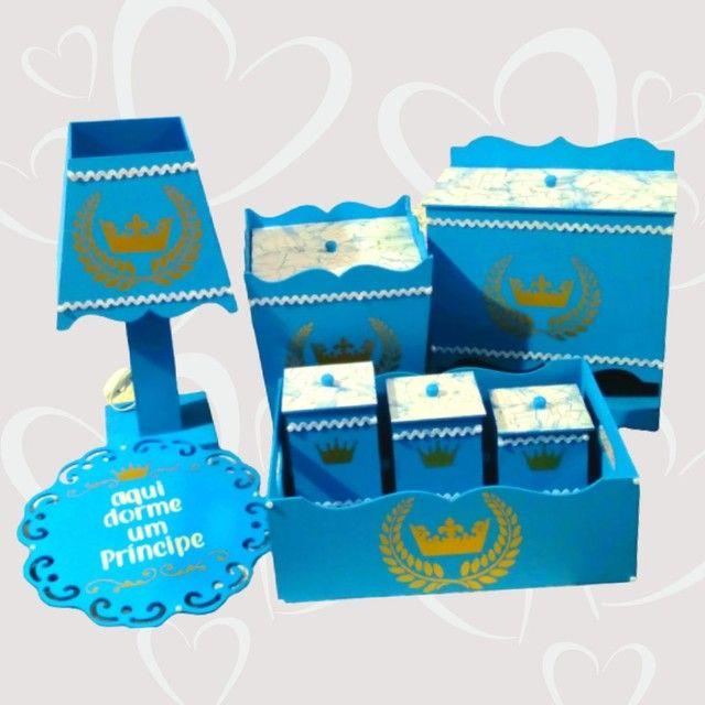 Kit higiene para decoração do quarto do bebê na cor azul e branca + brinde