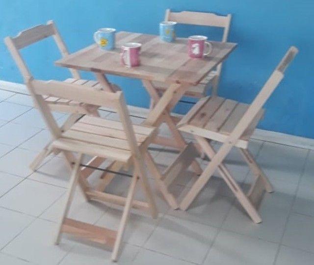 Conjuntos de mesa e 2 ou 4 cadeiras dobráveis com pintura ou sem pintura - Foto 5