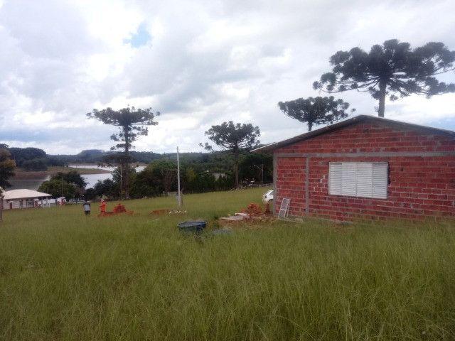 Casa em construçao na barragem capingui
