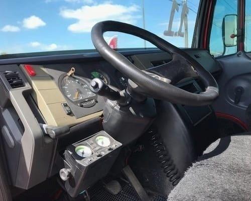 Mercedes Benz 710/ Condições do feirão para adquirir com parcelas acessíveis - Foto 4
