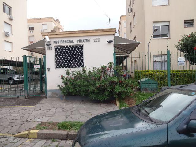Apartamento 02 dormitórios, próximo à Protásio Alves