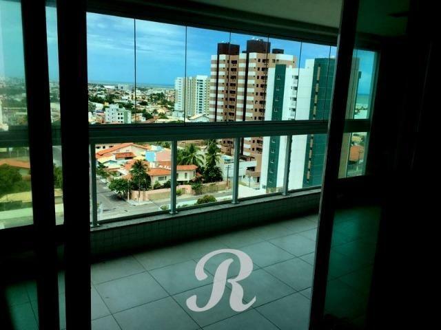 Na Atalaia condomínio El Viso sombra andar alto 3 vagas cozinha e banheiro com armários