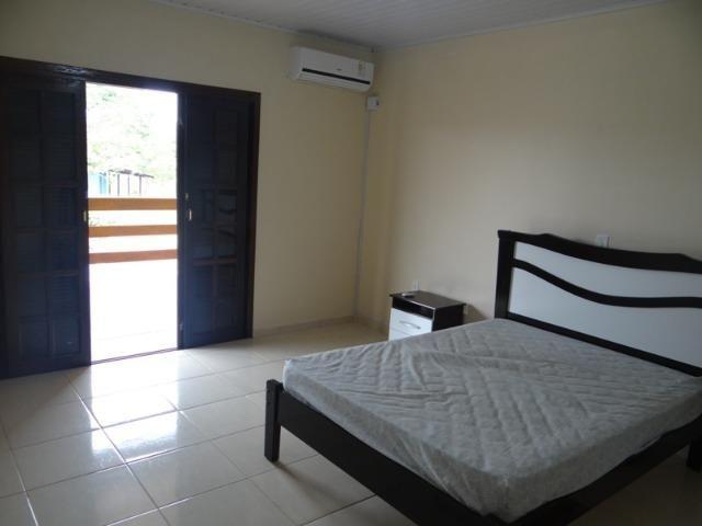 Lindo sobrado, 04 dormitórios, 03 banheiros, terreno todo murado - Foto 5