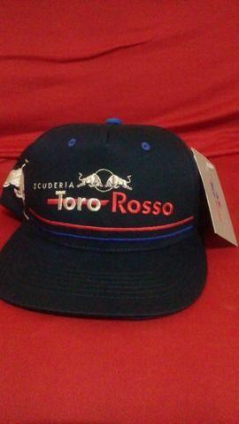 e714683100cb7 Bone da Red Bull original - Roupas e calçados - Brasília