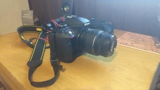 Câmera Nikon D3300 Poucos cliques + lente 50mm - Foto 2