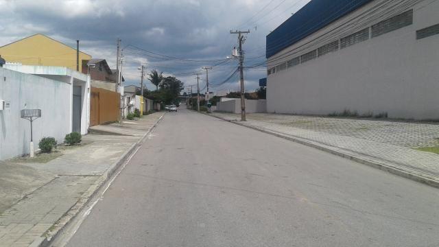 Vendo ou troco e financio com pequena entrada casa em Pinhais por casa no litoral