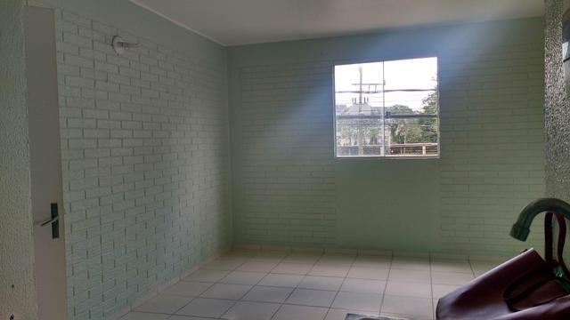Porto esmeralda 2/4 térreo com armário na cozinha - Foto 4