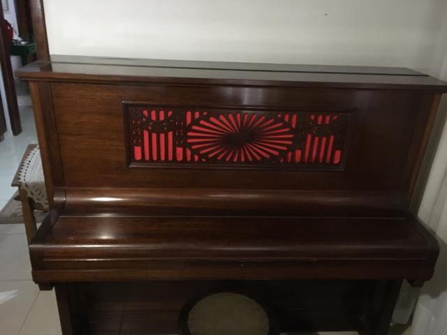 Lindo Piano Alemão