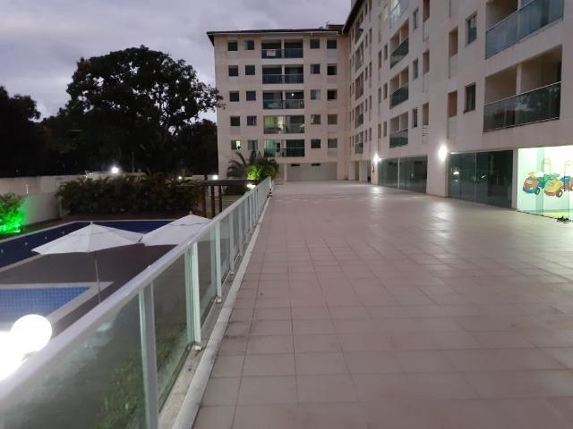 Alugo apartamento de 2 quartos na estrada do coco em frente ao Shopping Busca Vida - Foto 15