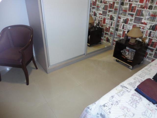 Vicente pires, linda e moderna casa, sala com pé direito duplo - Foto 18