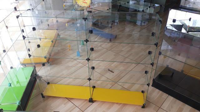 Expositor, vitrine, prateleira ou balcão de vidro com pezinho - Foto 2