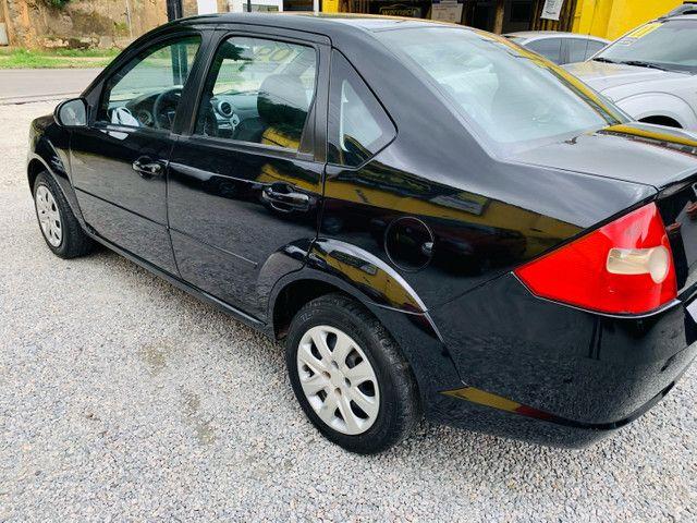 Ford Fiesta 1.6 Sedan  - Foto 4