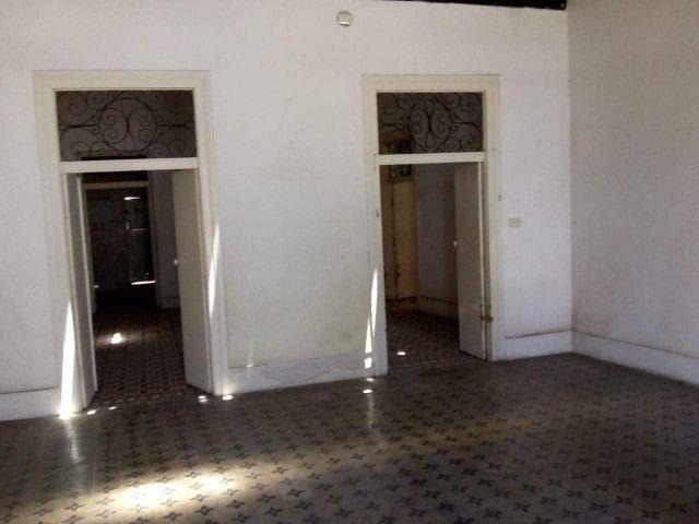 Duas Casas no Sitio Histórico de Olinda,