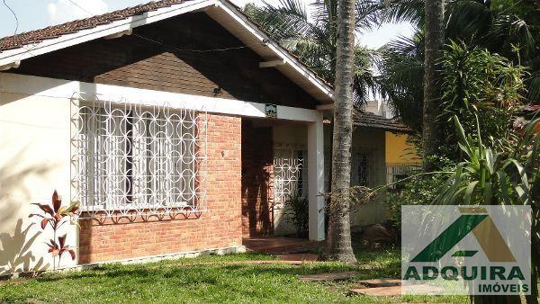 Casa com 4 quartos - Bairro Centro em Ponta Grossa