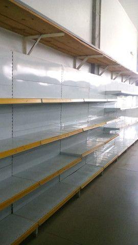 Gondolas,Prateleiras desmontaveis, check outs, ganchos,armários,mesas,etc - Foto 6