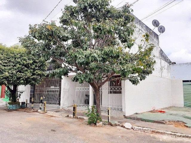 Casa frente praça Sr. do Bonfim, Centro - Foto 2