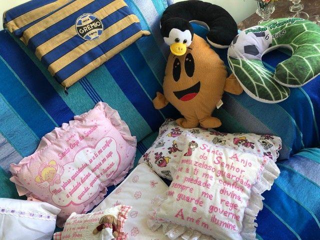 Almofadas  e travesseiros infantil com fronha    - Foto 3