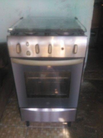 Fugão to bom empefeito estado eléctrico pra vende pegamdo todas as boca forno bom  - Foto 3