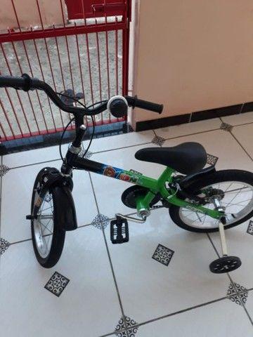 Bicicleta infantil semi Nova - Foto 4