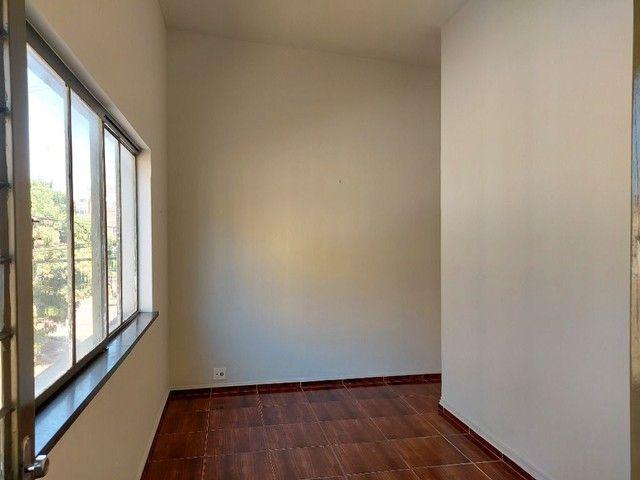 Apartamento com 3 dormitórios para alugar, 70 m² por R$ 900,00 - Estados Unidos - Uberaba/ - Foto 2