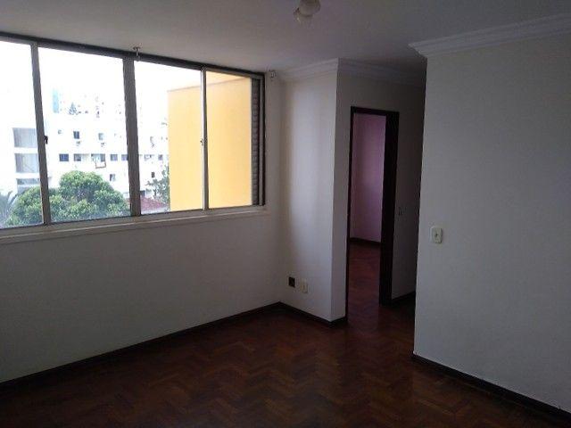 Apartamento 2 quartos, montado em armários, prox a praça universitária, financia - Foto 3