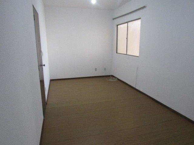 RM Imóveis vende apartamento 3 quartos com dois banhos no coração do Caiçara! - Foto 2