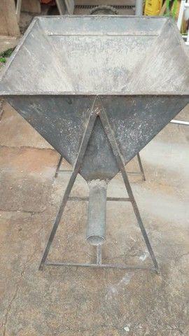 Vendo Máquina Manual de Ensacar Cimento - Foto 2