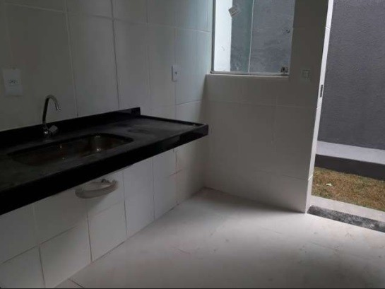 CASA A VENDA EM JUSTINOPOLIS !!!Casa com 2 Quartos e 1 banheiro à Venda, 80 m² por R$ 190.