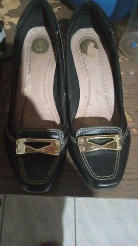 Bolsa e sapatos em bom estado pra uso - Foto 3