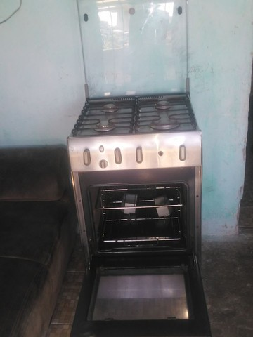Fugão to bom empefeito estado eléctrico pra vende pegamdo todas as boca forno bom  - Foto 2
