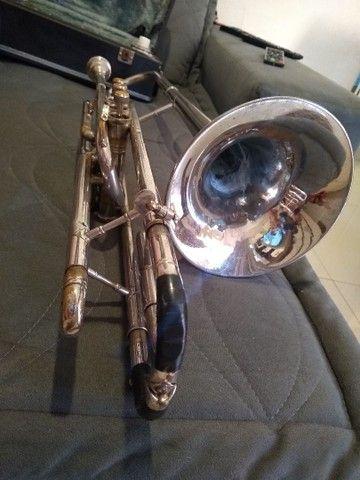 Trombone em dó e sib com adaptador, relíquia, ótimo timbre de som! - Foto 3