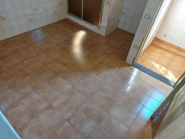 Apartamento com 3 dormitórios para alugar, 70 m² por R$ 900,00 - Estados Unidos - Uberaba/ - Foto 14