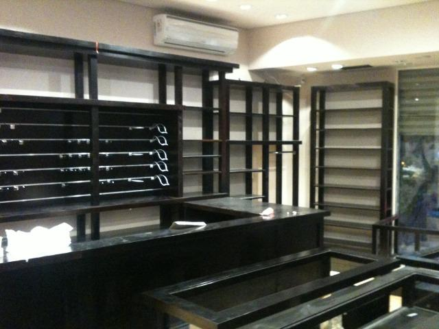 Mobiliário estilo Inglês para loja/pub/livraria/escola, parcelado!