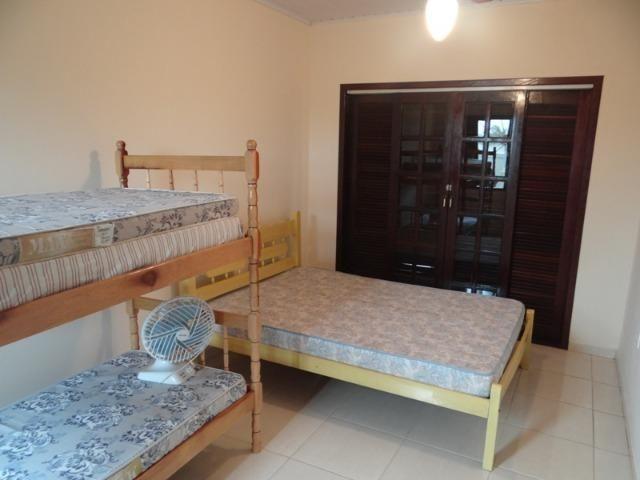 Lindo sobrado, 04 dormitórios, 03 banheiros, terreno todo murado - Foto 6