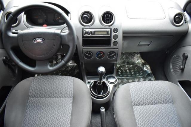 Ford fiesta sedan 2005 1.6 mpi sedan 8v flex 4p manual - Foto 2