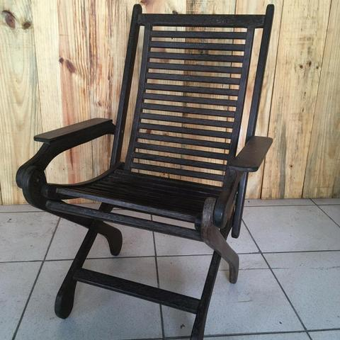 Cadeira de descanso em madeira sucupira