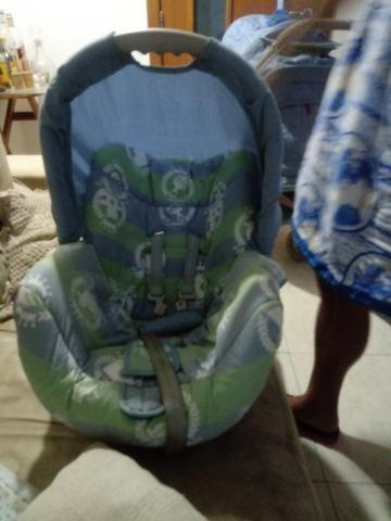 Carrinho de bebê mas bebê conforto