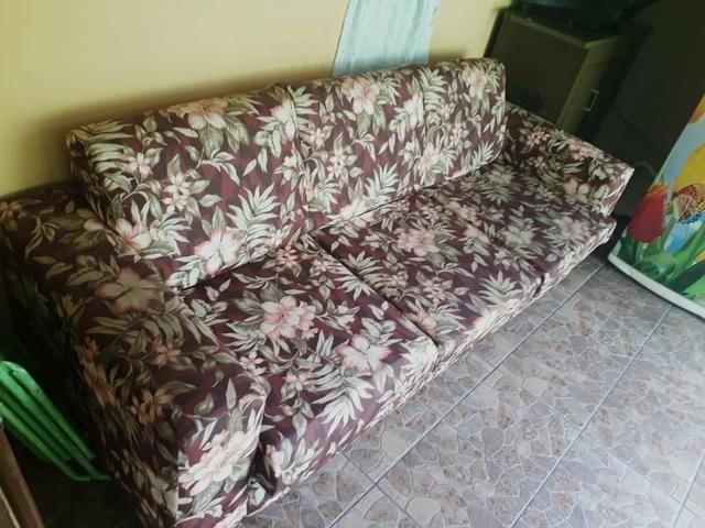Sofá parma de 3 lugares semi novo com tecido impermeável