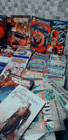 Lote Hqs, mangas e livros - Foto 2