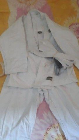 Kimono para criança de 10 anos. Serve para menino e menina.