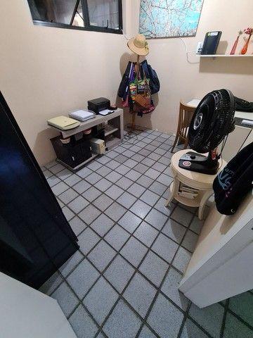 Vendo/Troco apartamento 4 quartos, 1 suíte + dependência com 132m2 em Boa Viagem  - Foto 12
