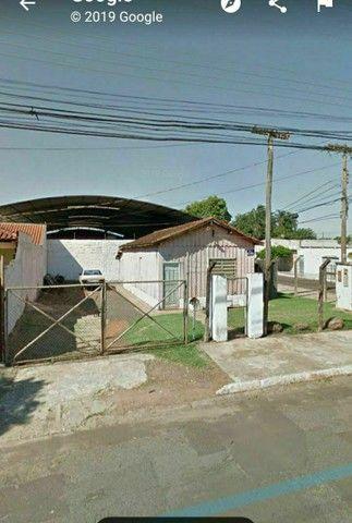 """""""IMPERDÍVEL"""" 300 m² (próximo ao aeroporto) terreno com casa de madeira<br><br> - Foto 4"""