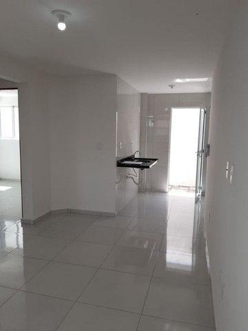 Apartamento novo para vender de Mangabeira. cód.8561
