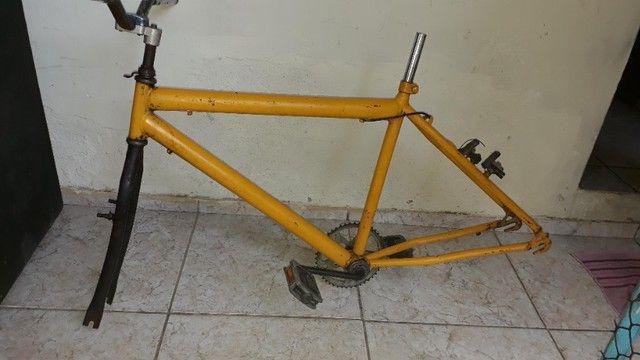 Vendo ou troco quadro de Bike para adultos - Foto 2