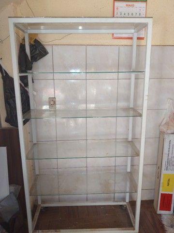 Vendo estante de vidro usada