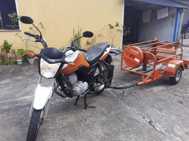 Moto cg 125 cargo com carrocinha
