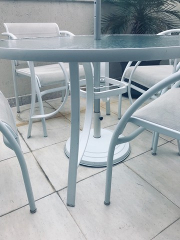 Mesa redonda com Cadeiras de alumínio Com Ombrelone  - Foto 2