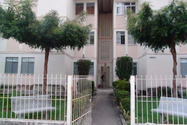 Apartamento em Capim Macio - Condomínio Flamboyant, 3 dormitórios