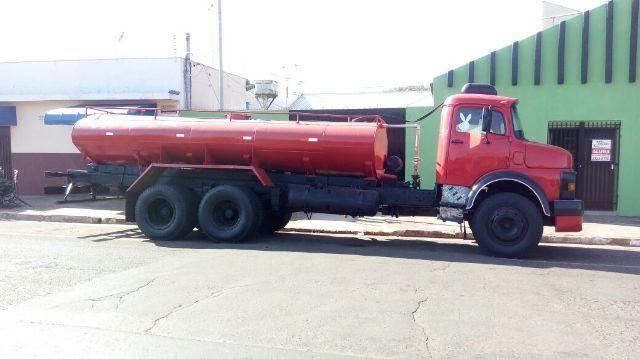 Troco caminhão por casa