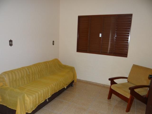 Lindo sobrado, 04 dormitórios, 03 banheiros, terreno todo murado - Foto 10